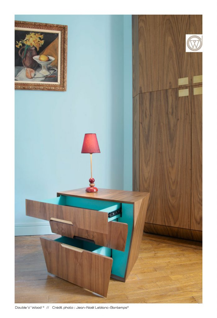parallelepiped-table-de-nuit-noyer