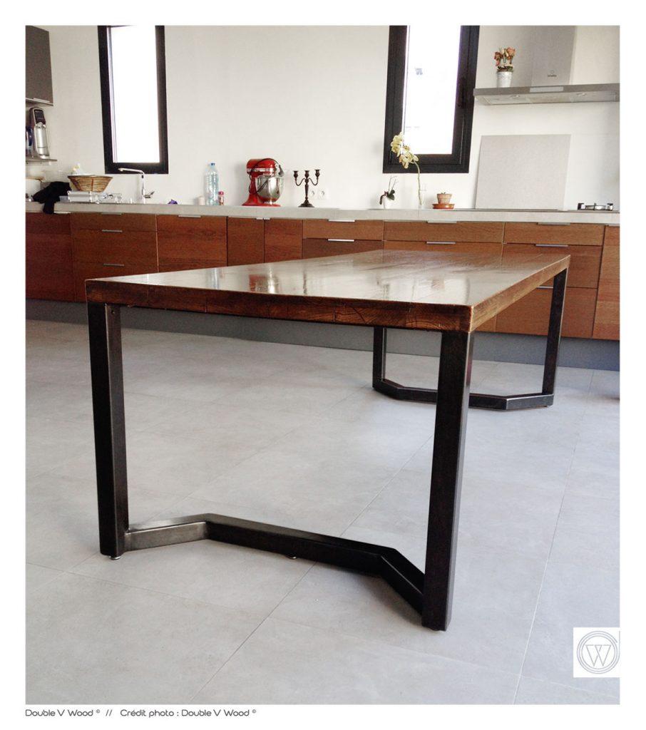 table-brut-acier-chene-indus